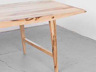 Der Hirsch aus Holz Holzgeschichten EsszimmerTische
