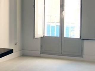 Klassische Wohnzimmer von Suelos Hidráulicos Demosaica Klassisch