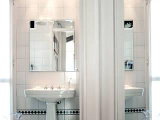 PAZdesign Modern bathroom