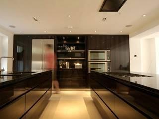 Camden Villa Modern kitchen by Peter Bell Architects Modern