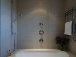 Islington Listed House Minimalist bathroom by Peter Bell Architects Minimalist