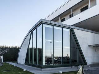 La vela Case moderne di STUDIO CRAVERO - BONETTO S.S. Moderno