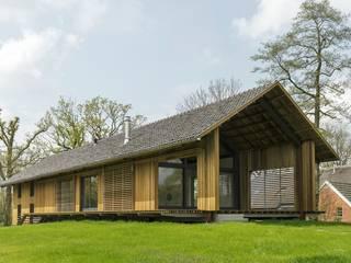 Schuurwoning Eelderwolde 2011: industriële Huizen door Architectuurstudio SKA
