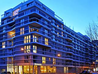 Hoteles de estilo  por Faber+Faber Architekten, Moderno