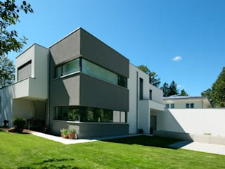Neubau Designhaus: moderne Häuser von FLOW.Generalunternehmer