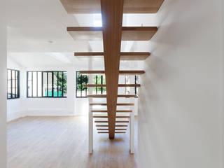 Appartements l'Ermitage: Salle à manger de style de style Moderne par albino cipriani architecture