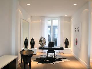 Estudios y despachos de estilo moderno de By Lenny Moderno