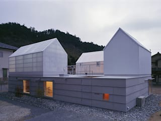House in Yamasaki Eclectic style houses by 島田陽建築設計事務所/Tato Architects Eclectic