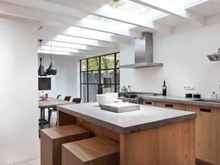 Kitchen by SMEELE Ontwerpt & Realiseert, Country