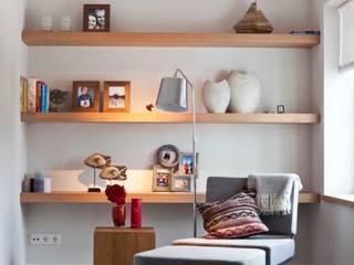 Livings de estilo  por SMEELE Ontwerpt & Realiseert, Moderno