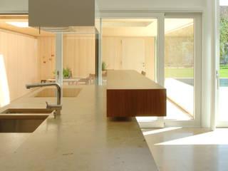 Einfamilienhaus in Lustenau / Österreich Moderne Küchen von Früh Architekturbüro ZT GmbH Modern