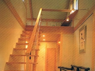 Eclectic style corridor, hallway & stairs by 株式会社 山本富士雄設計事務所 Eclectic