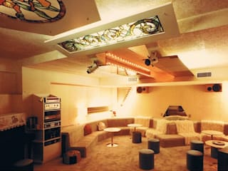 Mediterranean style media room by 株式会社 山本富士雄設計事務所 Mediterranean