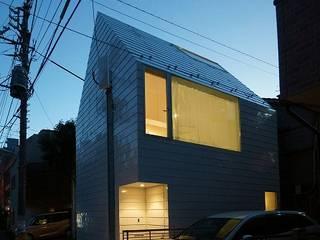 Niji Architects/原田将史+谷口真依子 Casas de estilo minimalista