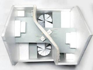 von Niji Architects/原田将史+谷口真依子 Minimalistisch
