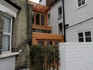 Unique Side Extension with Kitchen and Bedroom / Office Space: Wellesley Avenue, Hammersmith Modern houses by Affleck Property Services Modern