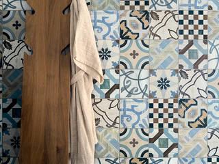 Salle de bains de style  par Ceramiche Addeo