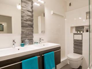 Salle de bains ardoise/wengé: Salle de bains de style  par Am by Annie Mazuy
