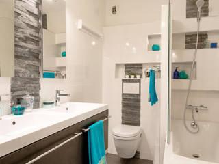 Salle de bain ardoise/wengé/WC suspendu/baignoire: Salle de bains de style  par Am by Annie Mazuy
