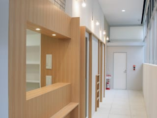 Commercial Spaces by abanba inc., Modern