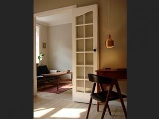 Flat, Copenhagen, Denmark Minimalist living room by antonygibbondesigns Minimalist