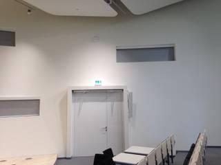 """Kühne Logistics University """"Golden Eye"""" in Hamburg Moderne Bürogebäude von Bielenberg - Sonnenschutz Modern"""