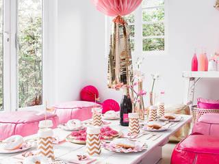 Comedor de estilo  por Candle & Cake
