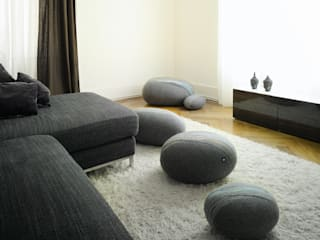 Living room by Yeh Design