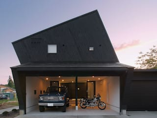 Garage/shed by アースワーク建築設計事務所, Eclectic