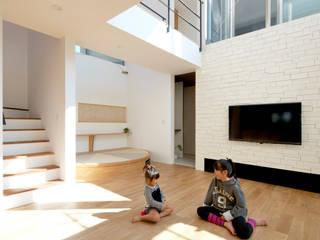 リビング: H建築スタジオが手掛けたリビングです。,