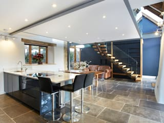 modern Kitchen by Hart Design and Construction