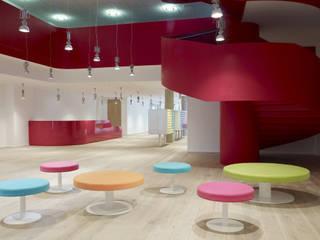 SCAPE MILE END Hotel moderni di Reggiani SPA Illuminazione Moderno