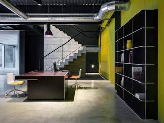Valtellina Giochi: Complessi per uffici in stile  di fioroni
