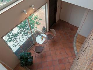 イン・ドア・パティオ: ジェイ石田アソシエイツが手掛けた壁です。