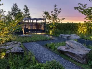 GartenLandschaft Berg & Co. GmbH Jardines de estilo moderno