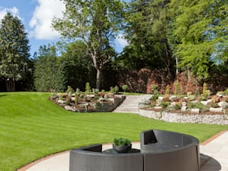 Project 8 Oxshott Jardines de estilo moderno de Flairlight Designs Ltd Moderno