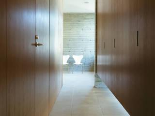 H residence モダンスタイルの 玄関&廊下&階段 の 山崎壮一建築設計事務所 モダン