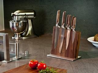Messerblock in Küche: moderne Küche von klotzaufklotz