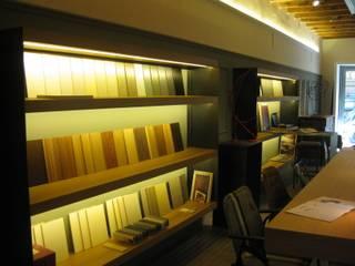 estudio Espacios comerciales de estilo moderno de ruiz carrion espais Moderno