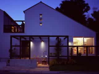 ガレージハウス: ジェイ石田アソシエイツが手掛けた家です。