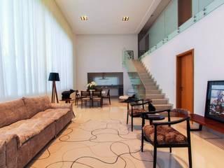Salas de estilo  por Tony Santos Arquitetura