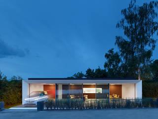 WERNER SOBEK Modern style balcony, porch & terrace