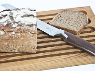 Brotschneidebrett: moderne Küche von klotzaufklotz