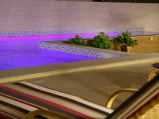 Pool by Daniela Vieira Arquitetura, Minimalist