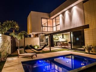 Projeto GP 02 Casas modernas por HAUS Moderno