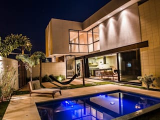 Modern Houses by HAUS Modern