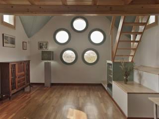 ALTILLO PARA APARTAMENTO EN CÚPULA MODERNISTA (BARCELONA) Salones de estilo escandinavo de mobla manufactured architecture scp Escandinavo
