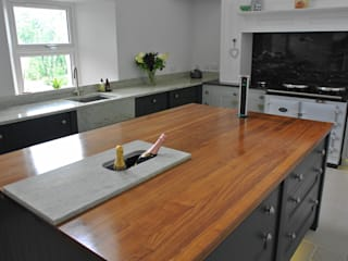Bespoke Painted Kitchen, Elgin, Moray, Scotland UK by Glenlith Interiors (Scotland) Ltd Classic