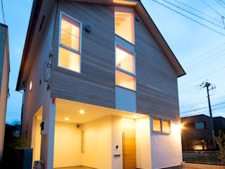 望月建築アトリエ Casas de estilo asiático