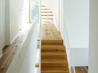 Modern Corridor, Hallway and Staircase by plan X architekten gmbh Modern